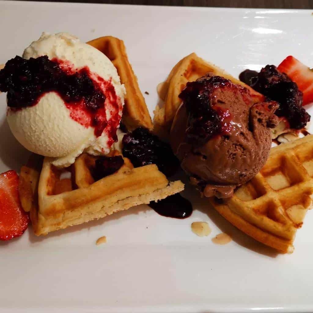 Se7enth restaurant - Waffle Ice Cream