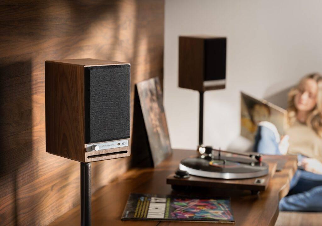 Audioengine HD4 (lifestyle)